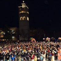 Μεγάλη ποντιακή βραδιά στην κεντρική πλατεία Κοζάνης – Δείτε βίντεο και φωτογραφίες από τα χορευτικά