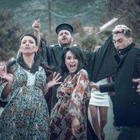 Walkman The Band: Τι έγινε Κωστάκη; Σε γουστάρει η χωριάτισσα; Αυτό είναι το #2 στις τάσεις του youtube! Ακούστε το