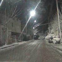 Νυχτερινή βόλτα στην χιονισμένη και παγωμένη Κοζάνη – Δείτε το βίντεο