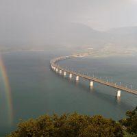 Η φωτογραφία της ημέρας: Πανέμορφο ουράνιο τόξο στη λίμνη Πολυφύτου