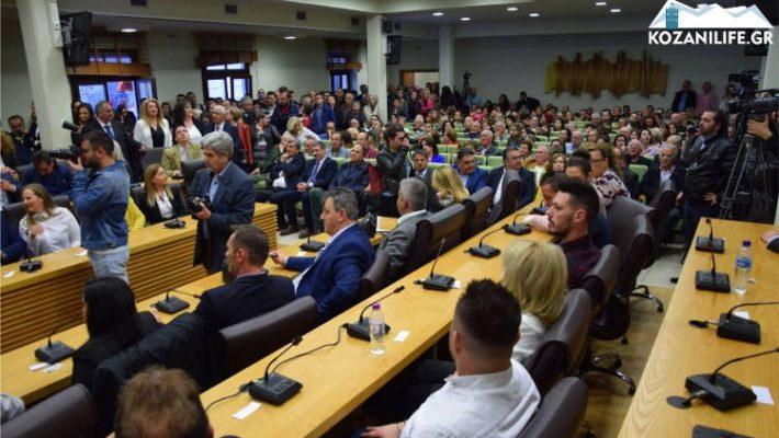 Αυτοί είναι οι 52 υποψήφιοι δημοτικοί σύμβουλοι που παρουσιάστηκαν στην εκδήλωση του συνδυασμού του Β. Σημανδράκου