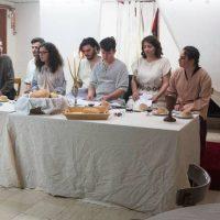 Πραγματοποιήθηκε με επιτυχία στο Μπλιούρειο από τους Ταξιδευτές του Θεάτρου το Θεατρικό αναλόγιο: «Ο δείπνος» του Ι. Καμπανέλλη