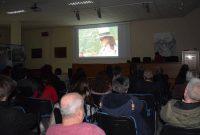 """Προβλήθηκε το ντοκιμαντέρ """"Η Αρχαιολόγος"""" του σκηνοθέτη Κίμωνα Τσακίρη στο Αρχαιολογικό Μουσείο Αιανής"""