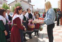 Οι Λιβαδεριώτισσες της Κοζάνης αναβίωσαν με επιτυχία το έθιμο των Λαζαρίνων – Δείτε το βίντεο