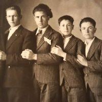 """Η φωτογραφία της ημέρας: Νεαροί Κοζανίτες """"ποζάρουν""""…"""
