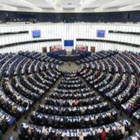 """Ένα κατ΄ευφημισμό αντιπροσωπευτικό δημοκρατικό σύστημα: """"Ευρωεκλογές"""" – Γράφει ο Θ. Γκατζόφλιας και η Φ. Χατζάρα"""
