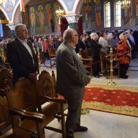 Πλήθος πιστών στον Εσπερινό για τον εορτασμό των Αγίων Κωνσταντίνου και Ελένης στην Κοζάνη – Δείτε φωτογραφίες
