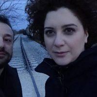 Η πρώτη επίσημη κυκλοφορία του Μάκη Καβούκα με τίτλο «Παράξενες λιακάδες» και συνοδοιπόρο του την Κωνσταντίνα Τεντόγλου