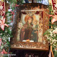 Η Μυροβλύζουσα εικόνα της Παναγίας Οδηγήτριας στον εορτάζοντα Ιερό Ναό Αγίου Νικολάου Πατρίδας Ημαθίας