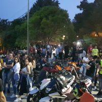 Μηχανές, καμμένα λάστιχα, μουσική και πυροτεχνήματα στη 10η συνάντηση μοτοσικλετιστών στη Σιάτιστα – Δείτε το βίντεο