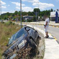 Άγιο είχε ο οδηγός ΙΧ αυτοκινήτου σε έξοδο των Γρεβενών προς Κοζάνη – Χωρίς μπάρες ο συγκεκριμένος κόμβος
