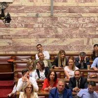 Στιγμές από την ορκωμοσία των νέων βουλευτών της Π.Ε. Κοζάνης στη Βουλή – Δείτε φωτογραφίες