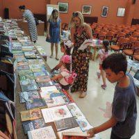 Δωρεά 464 βιβλίων στη Δημόσια Βιβλιοθήκη Σιάτιστας του Κοινωφελούς Ιδρύματος Κοινωνικού και Πολιτιστικού Έργου μέσω του Future Lidrary