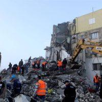 Σεισμός στην Αλβανία: Θρήνος και αγωνία πάνω από τα χαλάσματα – Συγκλονιστικές μαρτυρίες για τα Ρίχτερ του θανάτου