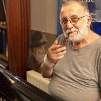 «Έφυγε» ο μεγάλος μουσικοσυνθέτης Θάνος Μικρούτσικος