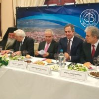 Γεύμα προς τιμή του Προέδρου της Δημοκρατίας στο Μετόχι στο Βελβεντό Κοζάνης – Δείτε βίντεο και φωτογραφίες