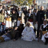 Παρουσιάστηκε το έθιμο των Μωμόγερων σε Νεάπολη και Τσοτύλι Βοΐου – Δείτε φωτογραφίες