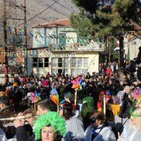 Πραγματοποιήθηκε η παρέλαση των Μπουμπουσαριών και το γλέντι στην Εράτυρα – Δείτε το βίντεο