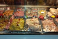 Μεγάλη ποικιλία κρεάτων και κοτολιχουδιών για τη φετινή αποκριά από εκλεκτά καταστήματα της Κοζάνης