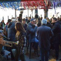 Αποκριάτικο γλέντι με χάλκινα στο κέντρο της Κοζάνης – Δείτε το βίντεο