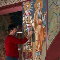 Οι Άγιοι Ιάκωβος και Γερμανός, Επίσκοποι Σερβίων, κοσμούν με τις τοιχογραφίες τους τον Ι. Ναό του Αγίου Διονυσίου Βελβεντού