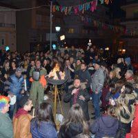 Με πολύ κέφι και χορό στον Φανό Πηγάδ΄Κεραμαριό στην Κοζάνη – Δείτε βίντεο και φωτογραφίες