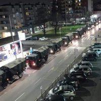 Βίντεο: Η Ιταλία μάς δείχνει γιατί να μείνουμε σπίτι – Μεταφέρουν νεκρούς με φορτηγά του στρατού