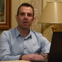 """Βίντεο: Το μήνυμα του Δημάρχου Καστοριάς Γιάννη Κορεντσίδη: """"Μένουμε σπίτι, τηρούμε τις οδηγίες και κρατάμε την αισιοδοξία μας ψηλά"""""""