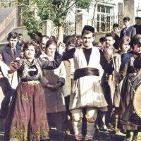 Η Εράτυρα τραγουδά Πασχαλινά και Μαγιάτικα τραγούδια σε μια παγκόσμια χορωδία