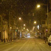 Βόλτα στη χιονισμένη και άδεια Κοζάνη – Δείτε το βίντεο