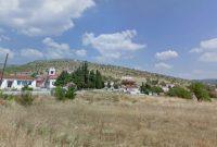 Ελληνικά βουνά: Λάμπουν οι ανεμογεννήτριες και τα φωτοβολταϊκά – Γράφει η Τάσα Σιόμου με αφορμή τη διαμαρτυρία στη Σκήτη Κοζάνης