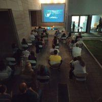 Με θετικές εντυπώσεις από τον κόσμο ξεκίνησαν οι προβολές ταινιών στην αυλή της Κοβενταρείου Βιβλιοθήκης Κοζάνης