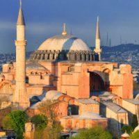 Μετατροπή της Αγίας Σοφίας σε τζαμί – Ποια τα κίνητρα του Ερντογάν και πώς μπορεί να αντιδράσει η Ελλάδα; Γράφει ο Γρηγόριος Παναγάκος