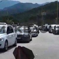Κακαβιά: Ουρές χιλιομέτρων στα Ελληνοαλβανικά σύνορα για να… γλιτώσουν την καραντίνα