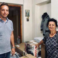 Δωρεά ρουχισμού από την Κοινότητα του Δρεπάνου στο Ίδρυμα προστασίας υπερηλίκων «Ο Άγιος Αχίλλιος»
