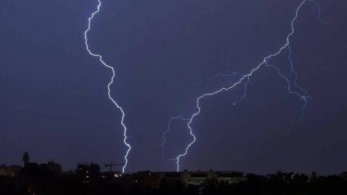 Καιρός: Δεκαπενταύγουστος με βροχές καταιγίδες και χαλάζι – Σε ποιες περιοχές θα εκδηλωθούν τα φαινόμενα