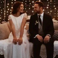 Ο γάμος της χρονιάς στο Λιβαδερό Κοζάνης παρουσία του πλουσιότερου πριν από μερικά χρόνια Έλληνα του κόσμου Φιλάρετου Καλτσίδη – Μιχάλης Χατζηγιάννης και αδερφοί Τσαχουρίδη τραγούδησαν για τους νεόνυμφους
