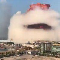 Σοκαριστικά βίντεο: Ισχυρές εκρήξεις σε αποθήκη πυρομαχικών στη Βηρυτό – Ακούστηκαν ως την Κύπρο – Τεράστιες καταστροφές, δεκάδες νεκροί και χιλιάδες τραυματίες