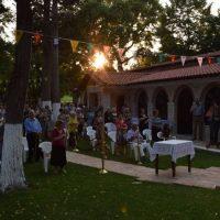 Πλήθος πιστών στο Ιερό Εξωκλήσι της Παναγίας στην Κοζάνη για τον εορτασμό της Κοιμήσεως της Θεοτόκου – Δείτε φωτογραφίες