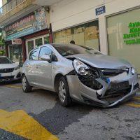 Τροχαίο ατύχημα στην Κοζάνη: Σύγκρουση αυτοκινήτων στη διασταύρωση των οδών Προύσης με Κωνσταντινουπόλεως – Δείτε βίντεο και φωτογραφίες