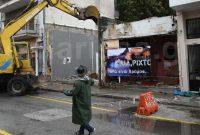«Ηλία ρίχτο… όλα είναι δρόμος»: Με live μπουζούκια και ζεϊμπεκιές γκρεμίστηκε ιστορικός οίκος ανοχής στη Λάρισα – Δείτε το βίντεο