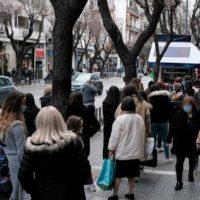 «Γρίφος» αλλά και «βόμβα» τα πραγματικά ενεργά κρούσματα κορονοϊού στην Ελλάδα – Στον «αέρα» το άνοιγμα γυμνασίων και λυκείων