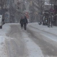 Βίντεο: Σε λευκό κλοιό η πόλη της Κοζάνης – Μεγάλη ποσότητα χιονιού σκέπασε τα πάντα – Δείτε το βίντεο