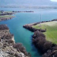 Πανέμορφες εικόνες της λίμνης Πολυφύτου από ψηλά – Δείτε το βίντεο