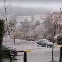 Ασθενής χιονόπτωση στην πόλη της Κοζάνης – Δείτε το βίντεο
