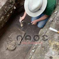 """Βρέθηκε ανθρώπινος σκελετός σε """"αρχαίο"""" τάφο κατά τη διάρκεια εργασιών στο κέντρο της Βέροιας"""