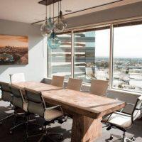 Ξύλινα έπιπλα σε επαγγελματικούς χώρους: 5 προτάσεις αισθητικής και εργονομίας
