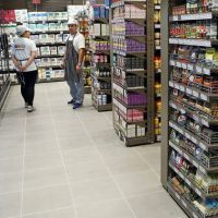 Ορατές οι πρώτες αυξήσεις στα ράφια της λιανικής αγοράς τροφίμων – «Καμπανάκια» πολυεθνικών για ανατιμήσεις